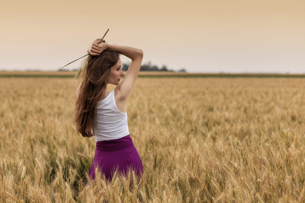 girl in the wheat field photo by z.pucarevic pucko