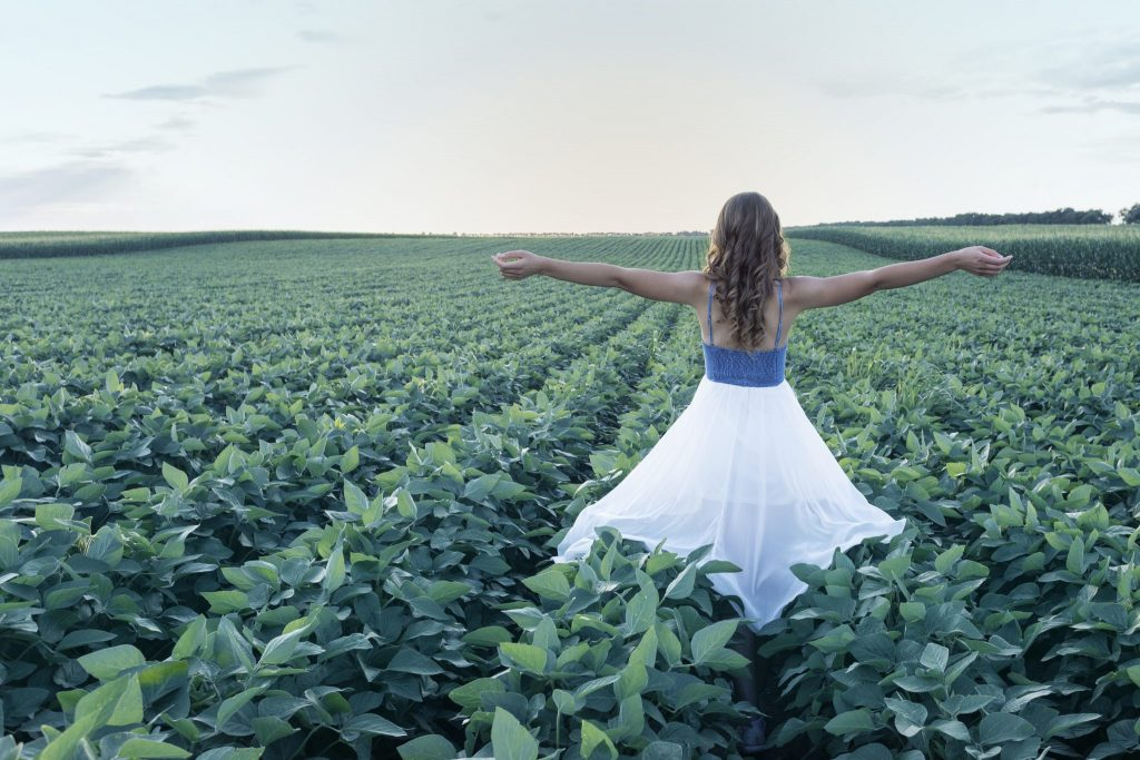 photo by z.pucarevic pucko girl in rapeseedfild
